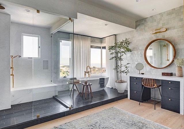 Super Shower Bathroom